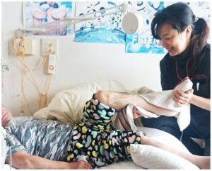 姿勢を矯正してもらえて 身体も楽になり転ばなくなりました!! ▽▼▽ ▽▼▽ 介護保険とリハビリがセットで 使えるので安心です!!